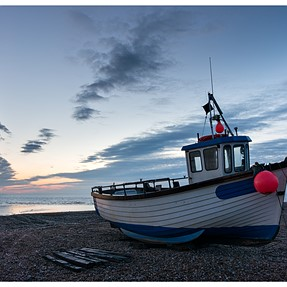 Dawn at Dungeness (NEX 6 + Sigma 19mm)