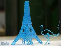 3D printing pen lets you build your own sculptures in thin air
