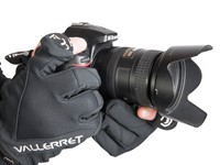 Vallerret Photography Gloves are designed for outdoor winter shooting