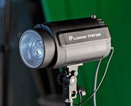 Adorama Flashpoint Budget Studio Monolight Review