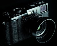 Fujifilm produces limited edition of 10,000 black X100s