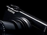 X-Trans in your pocket: First Impressions Review of Fujifilm's XQ1