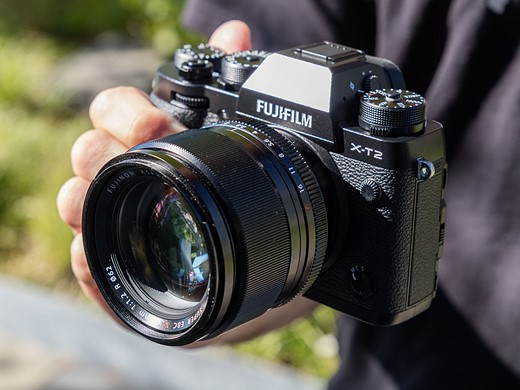 Faster flagship: Hands-on with the Fujifilm X-T2 1