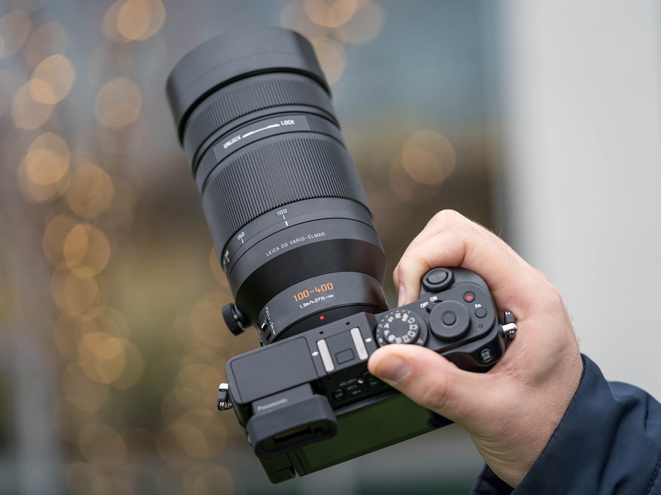 hands on with the panasonic leica dg vario elmar 100 400mm f4 6 3 lens digital photography review. Black Bedroom Furniture Sets. Home Design Ideas