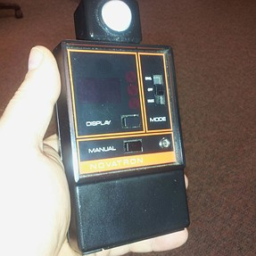 "Novatron ""N-3000 Digital Flashmeter"" help?"