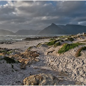 Kommetjie Beach, South Africa, E-1 +11-22m (6x Pics)