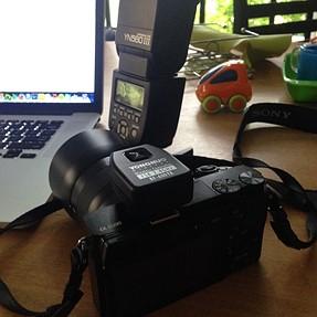 Yongnuo RF-600Tx (Nikon version) with Sony A6000