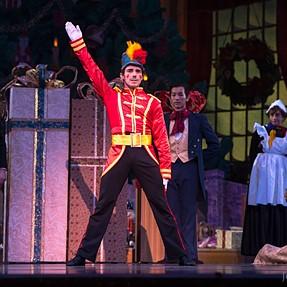 D4 Df D810 at Ballet