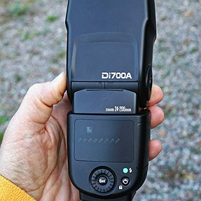 Nissin di700a flash (for Sony) flawed in many ways