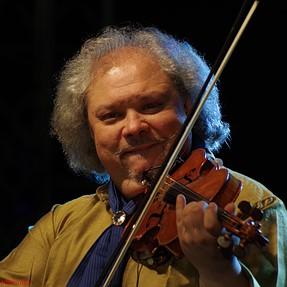 Gypsy  Music - Roby Lakatos .