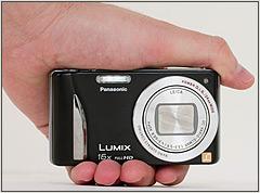 Panasonic Lumix DMC-ZS20 in the hand